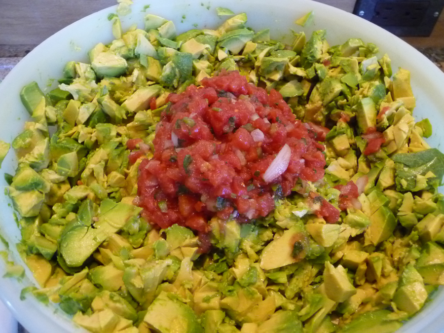 add salsa to avocados
